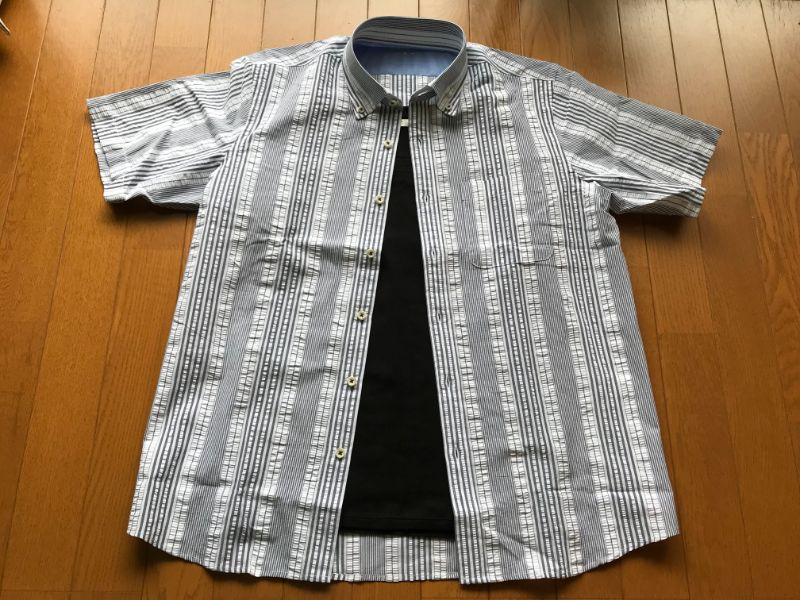 DoCLASSE シアサッカーBDシャツ×黒Tシャツ